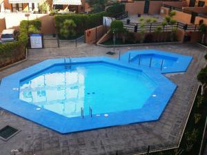 Una vista de la pileta en Duplex beach, 2 bedrooms, terrace & pool o alrededores