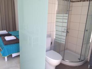 חדר רחצה ב-Antonios Hotel Apartments