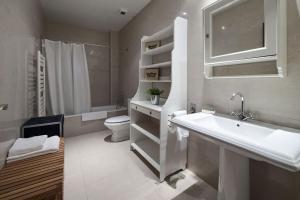 Phòng tắm tại Habitat Apartments Alibei