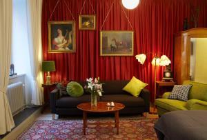 אזור ישיבה ב-Lady Hamilton Apartments