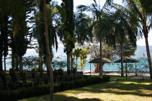 Hotel Pandu Lakeside Tuktuk   picture