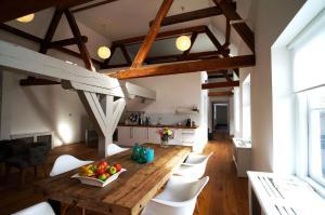 A cozinha ou cozinha compacta de Stayci Serviced Apartments Luther Deluxe