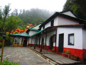Everest Panorama Resort - Image1