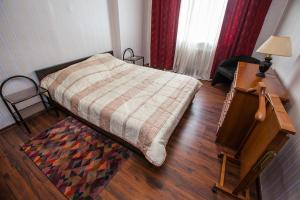 Cama ou camas em um quarto em Standard Brusnika Apartments Krasnoselskaya