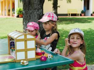 Niños en Ferienwohnungen Brezjak