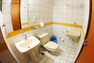 Um banheiro em Mansoori Apart Hotel II