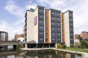 Premier Inn Nottingham, UK - Booking.com