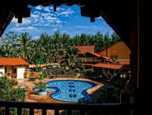 Batu Burok Beach Resort Kuala Terengganu - Hotel videos