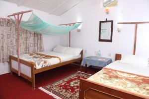 Forest Hideaway Hotel and Cottages - Image3
