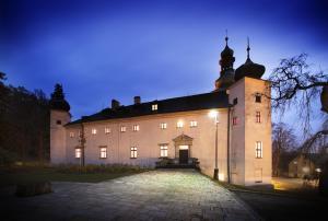 Zamecky Hotel Trest - Image1
