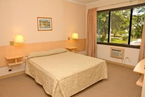 Hotel Corrientes Plaza - Image3