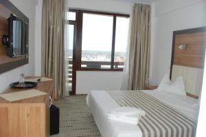 Hotel Laguna - Image2