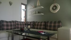 Khu vực lounge/bar tại Jurata Apartment