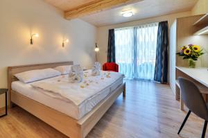 Green Inn Hotel - Image3