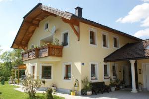 Ferienwohnung Bacher, Salzburg Hotels, Austria