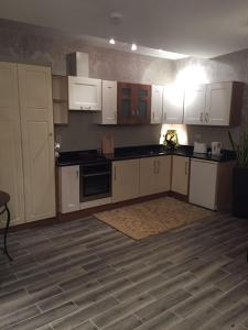 Nhà bếp/bếp nhỏ tại Tides Apartments Liscannor
