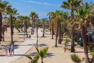 Camping mobil homes vacances grimaud france - Camping la prairie de la mer port grimaud ...