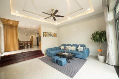 Nearby My Khe Beach 4BR Modern Villa