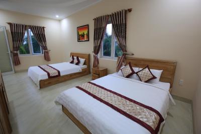 Ven Song Riverside Hotel