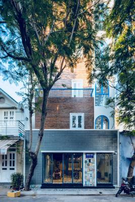Eighteen House Nha Trang