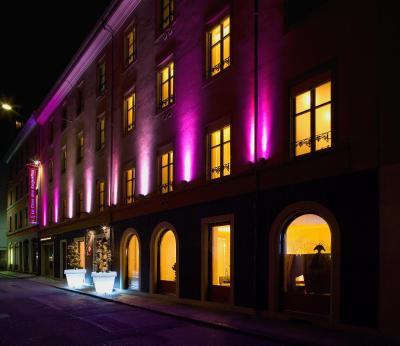 Cour des augustins hotel geneva switzerland for Boutique hotel design guidelines