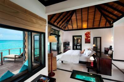Hilton maldives iru fushi resort spa noonu maldives for Hilton hotels in maldives