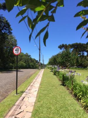 f2a230b44 Hotel Residencial Jardim dos Pinheiros (Brasil Canela) - Booking.com