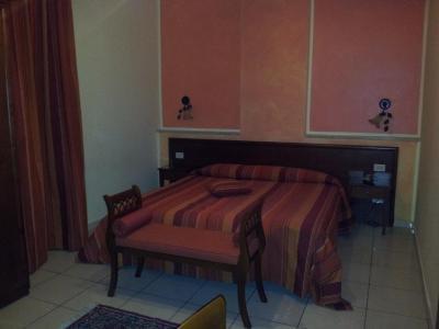 George Hotel - Barcellona Pozzo di Gotto - Foto 12