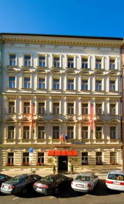 Hotel mal strana prague czech republic for Best hotels in mala strana prague