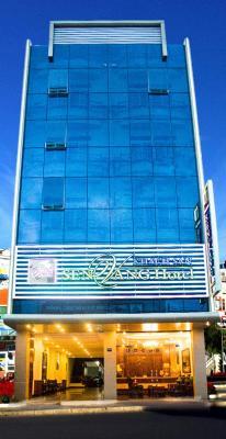 Khách sạn Sen Vàng