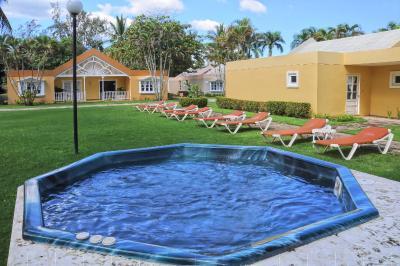 Playa Dorada Tennis Club: Expansion Strategy