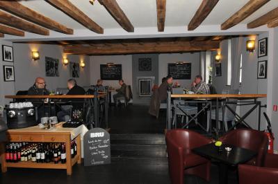 Hotel du petit spinois rebecq rognon belgium - Kamer van bian ...
