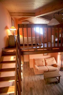 Hotel hospeder a la casa de las monjas miranda de arga espa a - Pisos de una habitacion ...