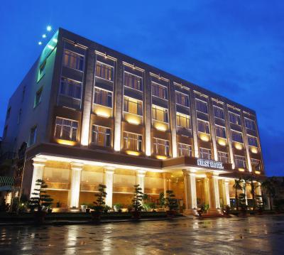 Khách sạn First New Wing