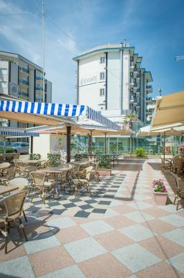 Hotel levante sul mare italia lido di savio - Hotel giardino al mare sestri levante ...