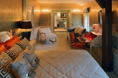 top deals h tel le cep beaune france. Black Bedroom Furniture Sets. Home Design Ideas