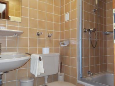 hotel goldener l we solingen deutschland solingen. Black Bedroom Furniture Sets. Home Design Ideas