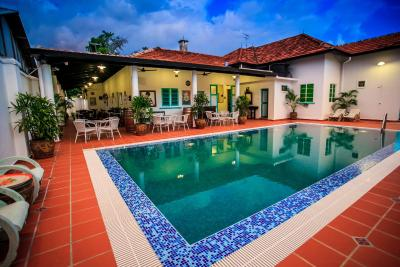 Best deals for devilla limbongan boutique homestay melaka malaysia for Private swimming pool malaysia