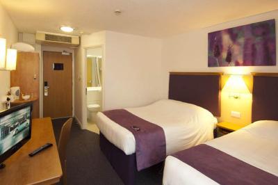 Top Deals Hotel Premier Manchester Airpt, Hale, UK ...