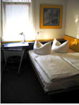 motel pelikan deutschland dettelbach. Black Bedroom Furniture Sets. Home Design Ideas
