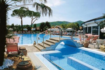 Hotel petrarca terme montegrotto terme italy - Terme preistoriche montegrotto prezzi piscina ...