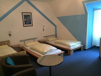 jugend hotel n rnberg germany. Black Bedroom Furniture Sets. Home Design Ideas