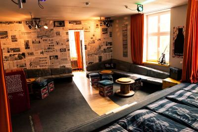 best deals for superbude hostel st pauli hamburg germany. Black Bedroom Furniture Sets. Home Design Ideas