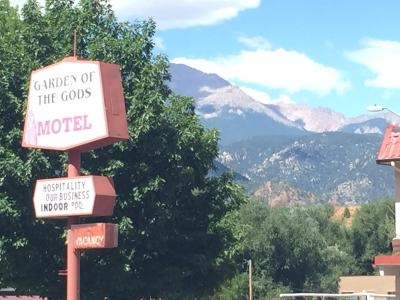 Garden of the gods motel colorado springs co for Quality inn garden of the gods