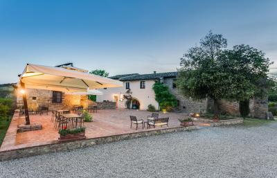 Casa di campagna antico borgo san lorenzo italia poggibonsi - Piscina borgo san lorenzo ...