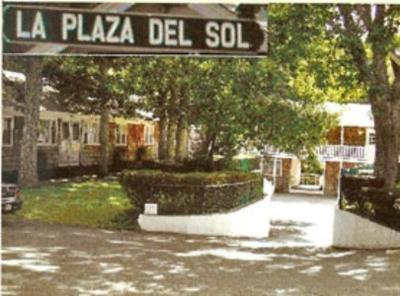 La plaza del sol motel mashpee ma for Plaza del sol