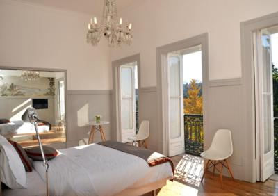 pension 4days oliver principe rea portugal lissabon. Black Bedroom Furniture Sets. Home Design Ideas