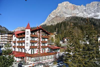 Hotel regina italia san martino di castrozza - Hotel san martino di castrozza con piscina ...