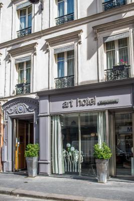 Art Hotel Batignolles Paris Booking