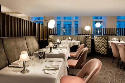 Restaurants Near Hilton Edinburgh Carlton Hotel